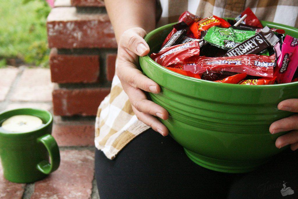 Shamrock-Mixing-Bowl-Holding-Candy