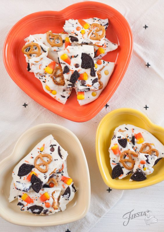 fiesta-dinnerware-heart-bowl-halloween-candy-bark-recipe-7