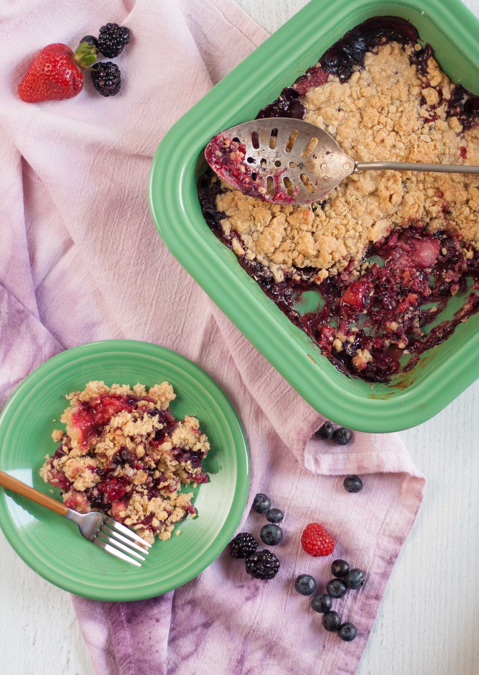 mixed berry crumble recipe fiesta meadow baker